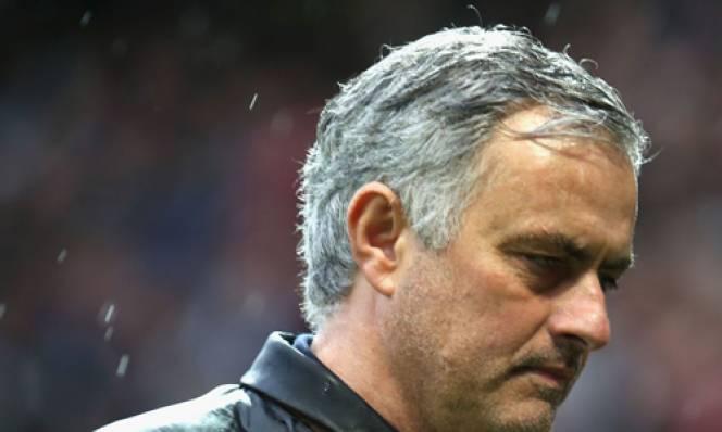 Mourinho thanh lọc lực lượng, chỉ 7 cầu thủ an toàn